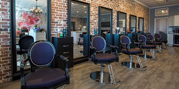 Serve your clients with a better barber station
